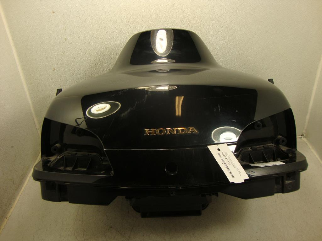2003 honda gl1800/abs gold wing trunk tour pak pack modified hole in front  under pad - missing 1 nolt in hinge - all minor stuff - misc minor scuffs,