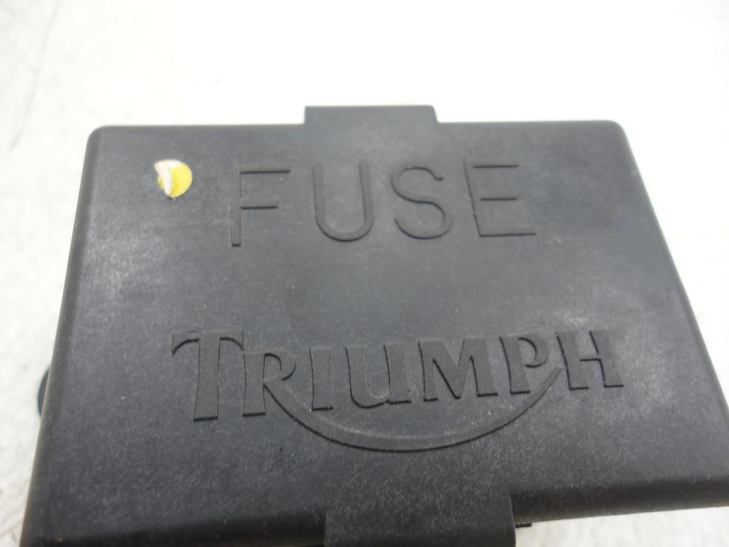 1998 TRIUMPH Thunderbird FUSE BOX SOME BURN DAMAGE TO PLUG